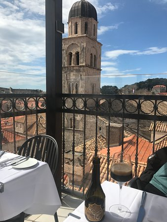 Nice restaurant with beautiful view, friendly and polite staff and delicious food