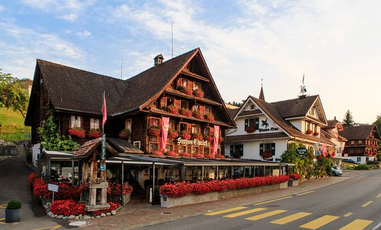 Merlischachen, Switzerland: Swiss-Chalet Restaurant