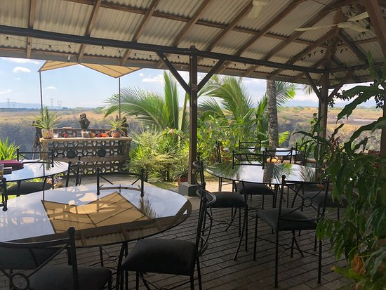 Vista Canyon Inn: The patio overlooking the canyon