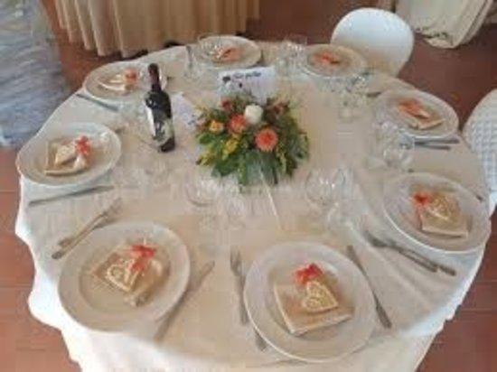 Ponzano Romano, Italien: tavolo ristorante