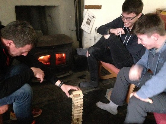Tregaron, UK: Family fun without electricity.