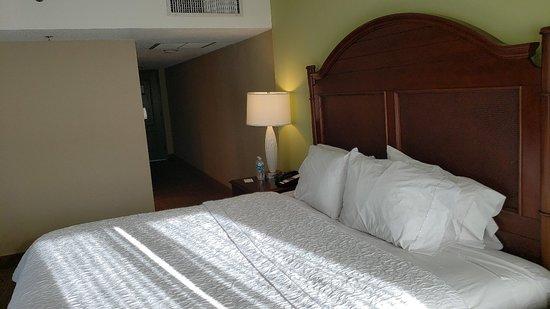 Hampton Inn & Suites San Juan: 20180331_171858_large.jpg