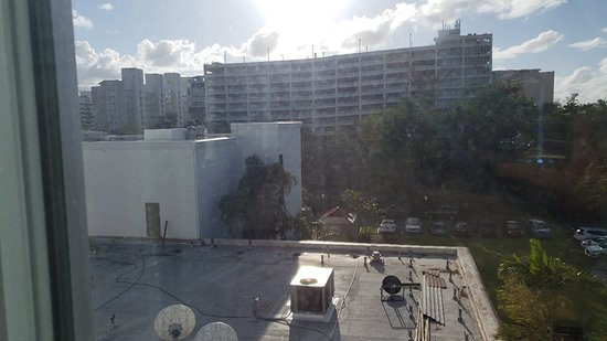 Hampton Inn & Suites San Juan: 20180331_171854_large.jpg