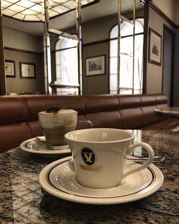 Tortona, Italie : Caffè