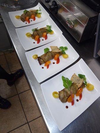 restaurant le bionak dans bayonne avec cuisine v g tarien. Black Bedroom Furniture Sets. Home Design Ideas