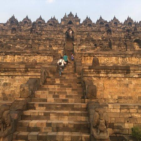 Borobudur Temple: Muhtesem.. dunyanin en büyük tapinagi..