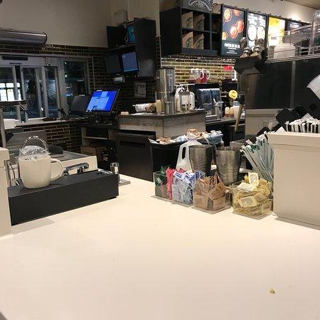 Hauppauge, NY: Starbucks