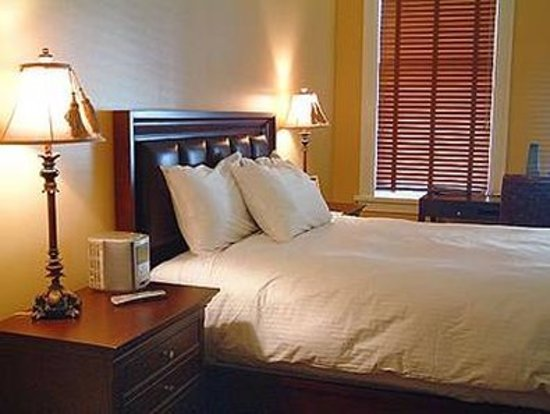 The Montvale Hotel: Guest room