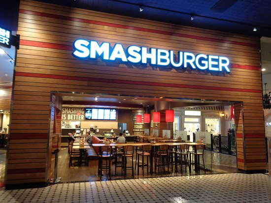 Smashburger: Outside