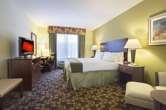 Holiday Inn Express Hotel & Suites Port St. Lucie West: Guest room