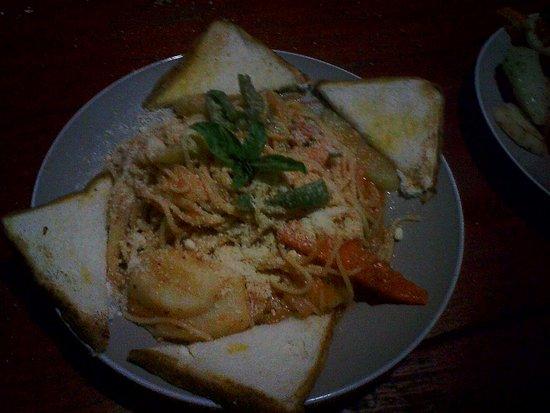 Playa Santo Domingo, Nicaragua: pasta  con vegetales y queso