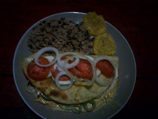 Playa Santo Domingo, Nicaragua: quesadilla con jalapeños