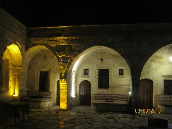 Cappadocia Palace: cosy at night