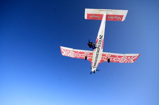 Tandem Skydive in Taupo from 15,000...
