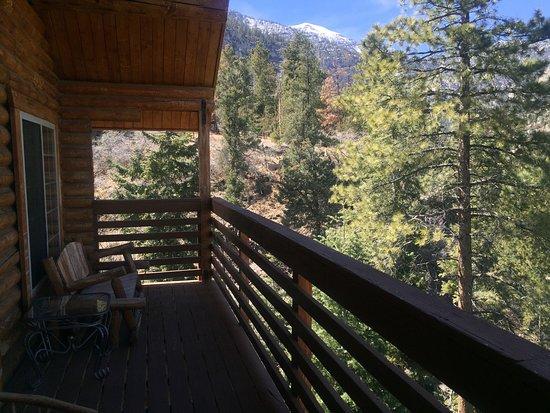 Mt. Charleston Lodge: Cabin 16 balcony