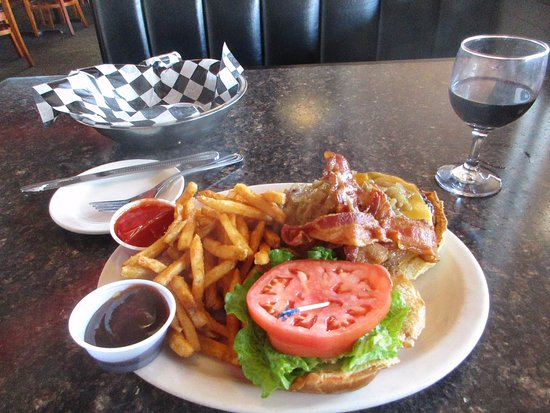 Cooper City, فلوريدا: Hickory burger at Beverly Hills Cafe
