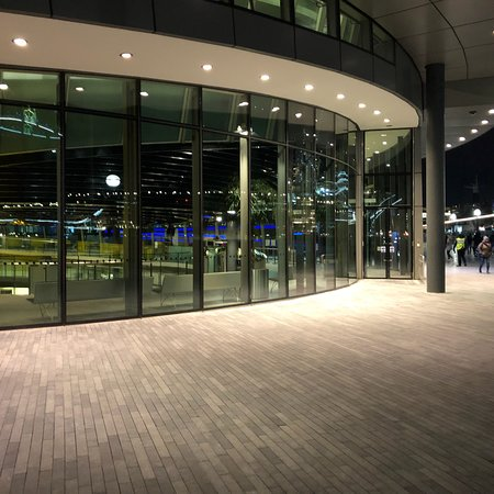 City Hall: Bit dark at night but a fun visit