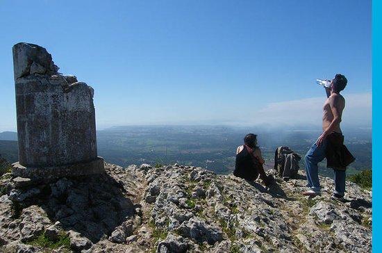 Randonnée au sommet de la montagne...