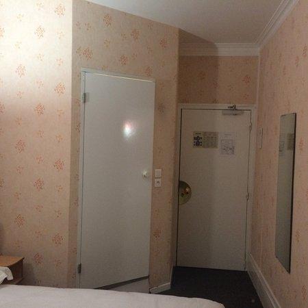nouvel hotel lons le saunier frankrig hotel anmeldelser sammenligning af priser. Black Bedroom Furniture Sets. Home Design Ideas