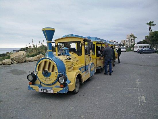 Catch the return Oscar shuttle at the Harbour / bus car park