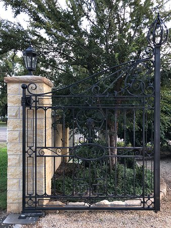 Aberdeen, Australia: Entry gate