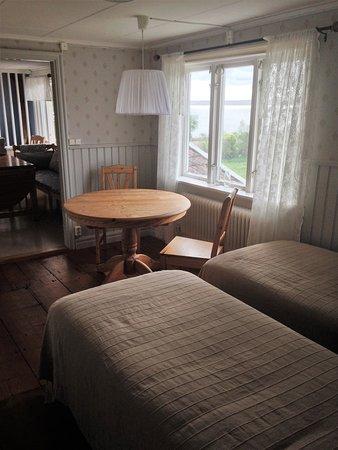 Varobacka, Szwecja: Svalan, två rum med vardera två sängar väntar på just dig kanske?