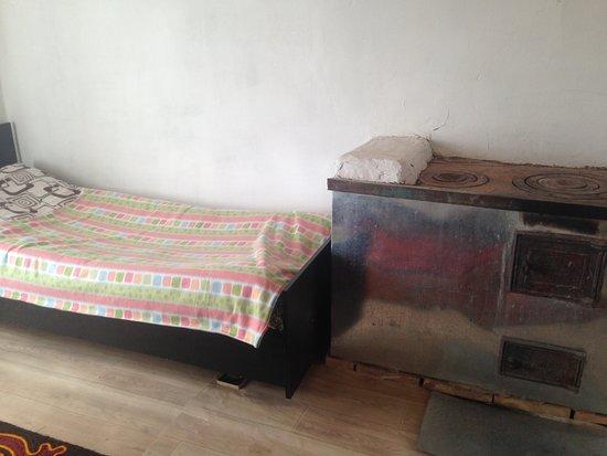 Sary-Tash, Kirgisistan: HOSTEL MURAS - HABITACIÓN (3 CAMAS)