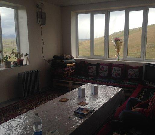 Sary-Tash, Kirgisistan: HOTEL MURAS - ESPACIO COMÚN