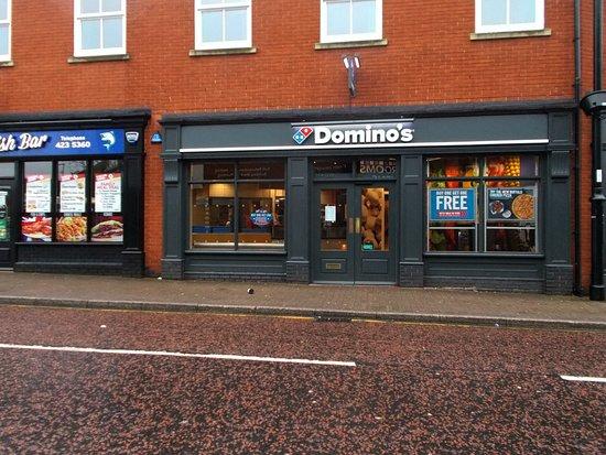 Cheshire, UK: Domino's, Widnes