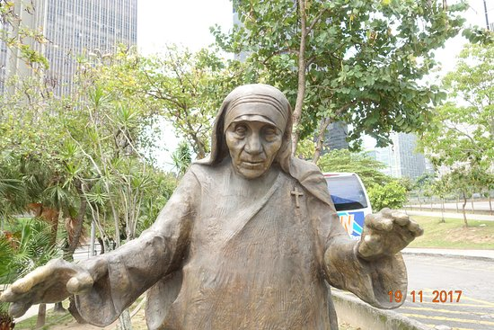 The Metropolitan Cathedral of Saint Sebastian : Mother Teresa outside the cathedral
