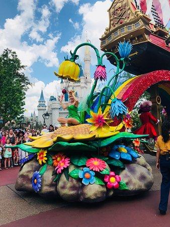 Keys To The Kingdom Disney Tour Review