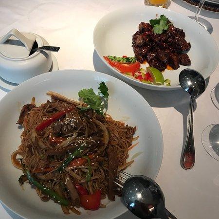 restaurant chez ly dans paris avec cuisine chinoise. Black Bedroom Furniture Sets. Home Design Ideas