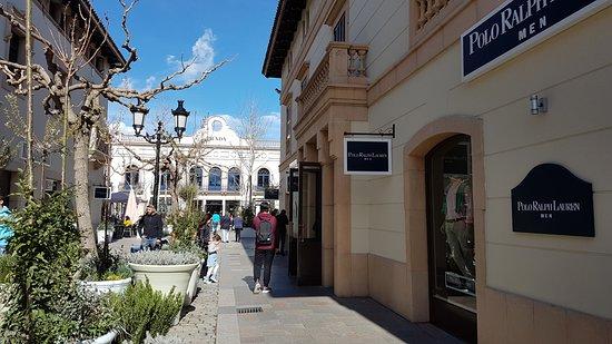 6f6844d8e63 Ralph Lauren outlet - Picture of La Roca Village