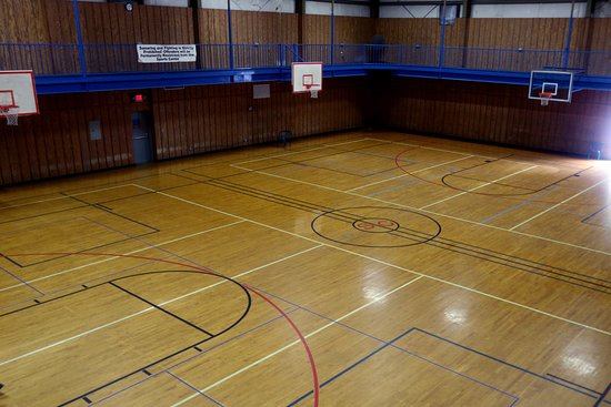 Morehead City, Северная Каролина: 2 full size basketball courts, pickleball, and racquetball