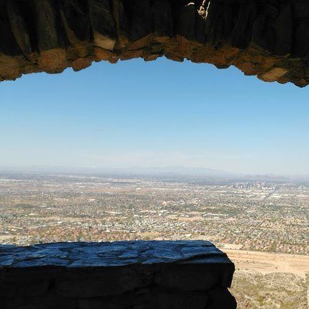 South Mountain Park: Vista from inside South Mountain shelter house