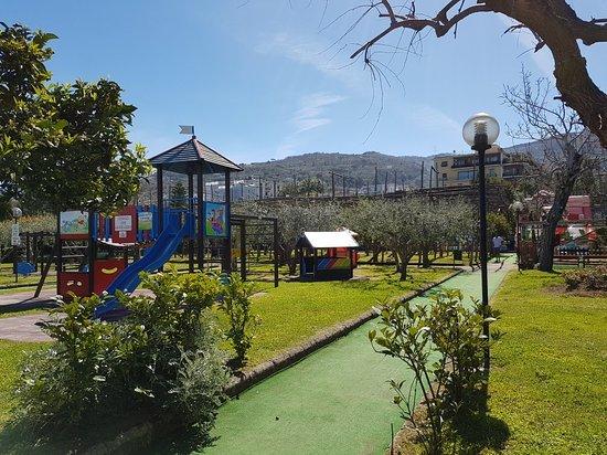 "Parco Giochi ""Don Luigi Verde"""