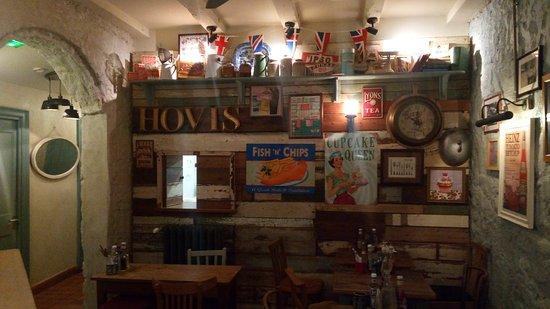 Tables pour 2 - Picture of English Country Kitchen, Bordeaux ...
