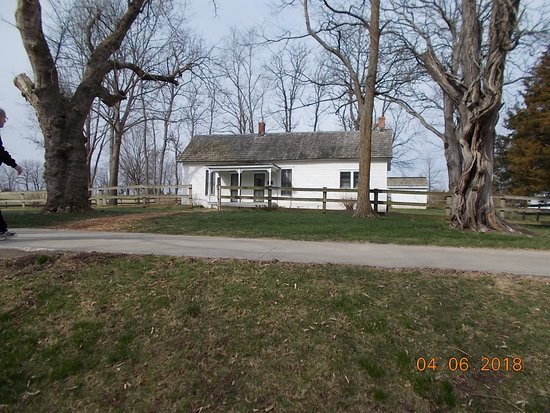 Jesse James Birthplace Museum : Front of Farm House