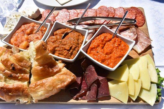 Macedonian Village: antipasto