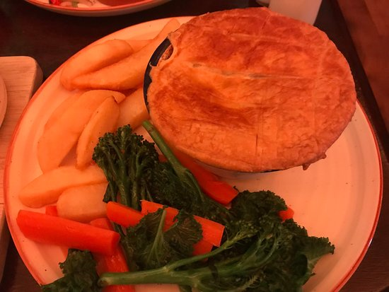 The Pear Tree: Scottish Meat Pie