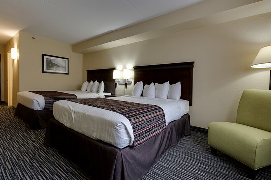 Country Inn & Suites by Radisson, Niagara Falls, ON Image