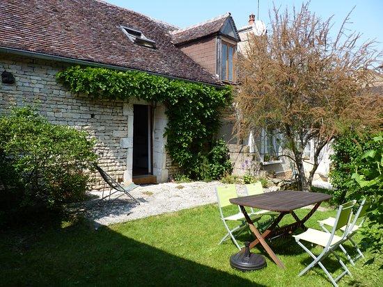 Courgis, Francja: Espace jardin