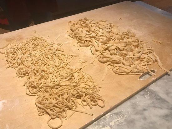 Santa Brigida, Włochy: Two pastas!
