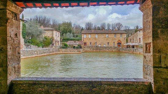 Piazza Delle Sorgenti Picture Of Terme Bagno Vignoni