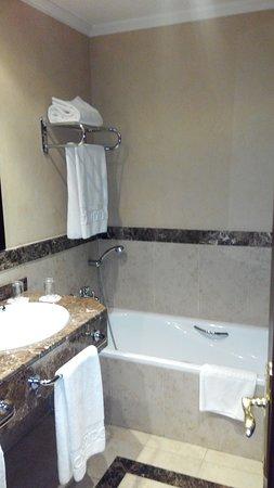 Hotel Candido: IMG_20180407_170421_large.jpg