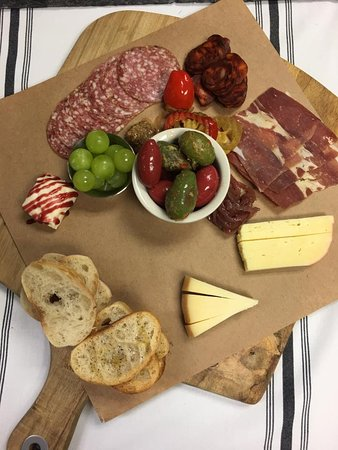 Bacchus Wine and Tapas: Charcuterie!!