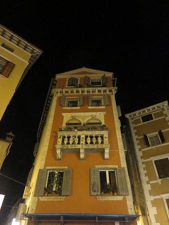 Main Street ภาพ