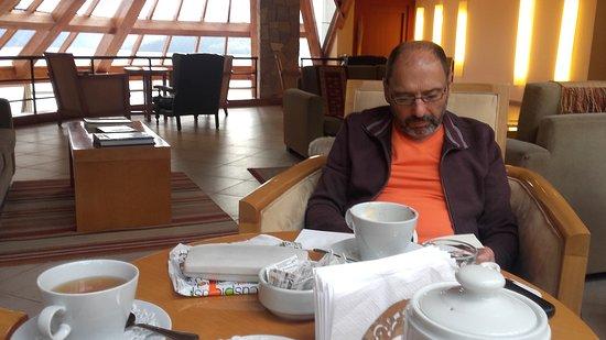 Sol Arrayan Hotel & Spa: Tomando el te en el bar