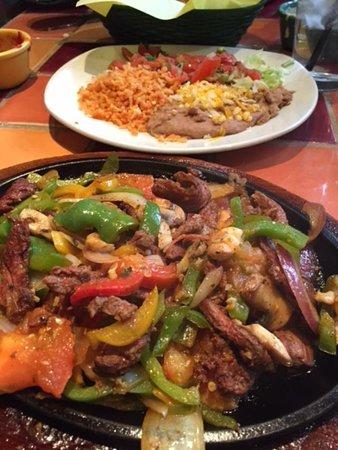 Miguel's Cocina: STEAK FAJITAS