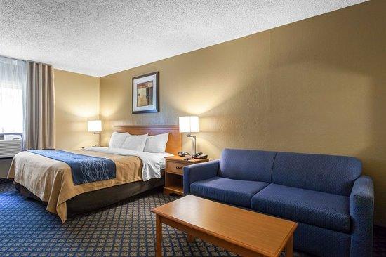 Seville, OH: Suite